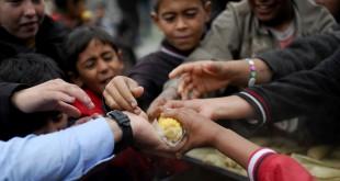 السوريون بين قهر الفقر وألم الغلاء