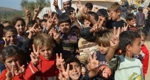 عيد مخيم أطمة .. بسمات طفولة مختزلة