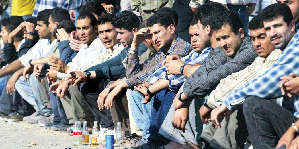 البطالة تفتك بالسوريين  / أنترنت