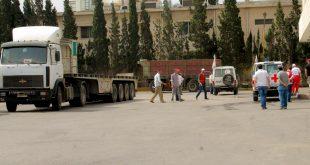 مساعدات خالية من المواد الطبية تدخل حي الوعر المحاصر