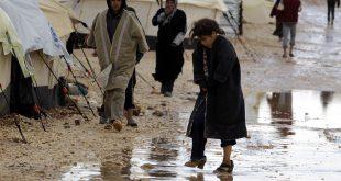 التقصير وغياب المساعدات يُغرِق مخيمات بأكملها في ريف اللاذقية