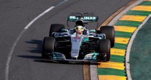 فيتل سائق فيراري يفوز بسباق جائزة استراليا الكبرى