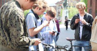 إدمان الشاشة… مشكلة شبابية في التركيز