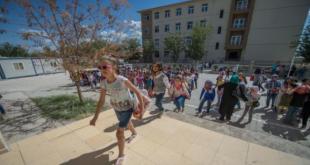 تركيا: إغلاق المدارس السورية المؤقتة تباعاً وإدماج الطلبة السوريين مع الأتراك