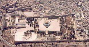 الفلسطينيون يحتشدون بالقدس وتحذير إسرائيلي من انفجار وشيك