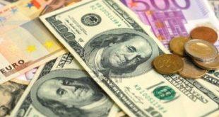 الدولار ينتعش واليورو يهبط بحدة