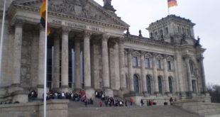 اللاجئون إلى ألمانيا..حق السفر وإمكانية الترحيل