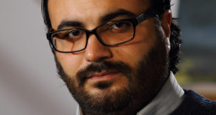 """طارق عزيزة لـ""""صدى الشّام"""": الائتلاف تحالفٌ سياسيٌّ هش متعدّد الولاءات والأجندات"""
