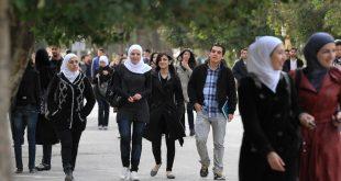 بعد 8 سنوات من الحرب.. كيف ينظر الشباب السوري إلى السياسة والدين والإعلام