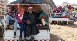 اللاجئون السوريون في لبنان يعودون إلى المجهول هربا من المعاناة