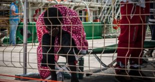 تحذير: مراكز استقبال المهاجرين في إيطاليا قد تتحول إلى مراكز احتجاز