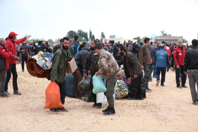 وصول مهجري دوما إلى ريف حلب الشمالي- عامر السيد علي