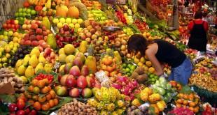 تناول الفاكهة يزيد من نسبة السعادة