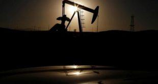 تراجع أسعار النفط ومخاوف من فائض في الأسواق