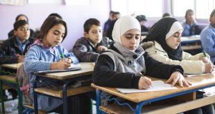 """""""معركة"""" المناهج الدراسية في سوريا تنذر بجيلٍ مشتّت"""