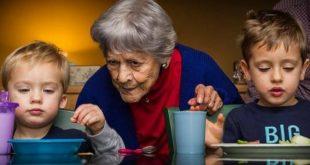 دراسة: الأجداد يضرون بصحة أحفادهم