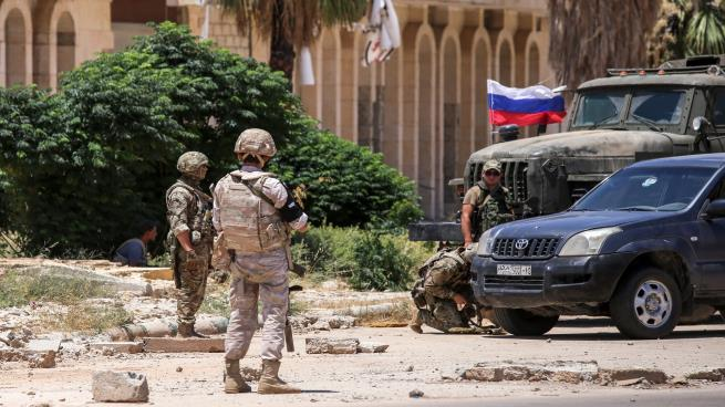 دخول الشرطة الروسية أعقب تسليم المعارضة سلاحها الثقيل(يوسف ثروشان/AFP)