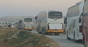 وصول 10 حافلات لريف القنيطرة لنقل مسحلي المعارضة إلى إدلب