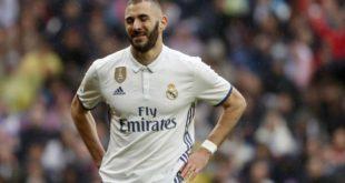 بنزيما يطلب الرحيل عن ريال مدريد