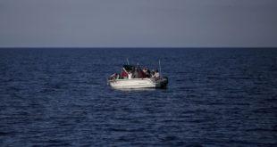 غرق قارب يقل سوريين أمام سواحل لبنان