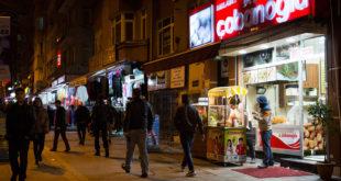 السمسرة في تركيا: سوريّون يعتاشون على حساب سورييّن