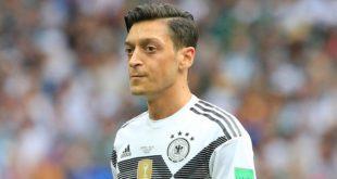 """الألماني من أصول تركية """"أوزيل"""" يعتزل اللعب الدولي"""